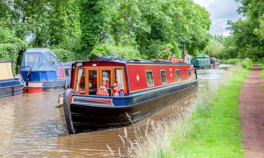 Canal Boat for 4 People in England, UK