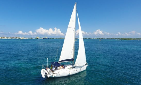 Luxury Private Customized Sail Yacht Rental For Groups And Families Up To 15 Pax