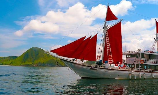 2 Days / 1 Night To 8 Days / 7 Nights Liveaboard Trip In Komodo Islands