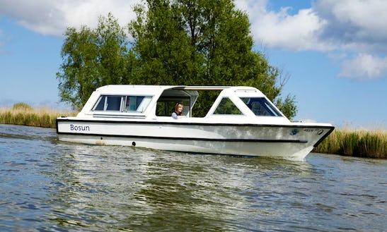 25' Bosun Boat Charter In Horning