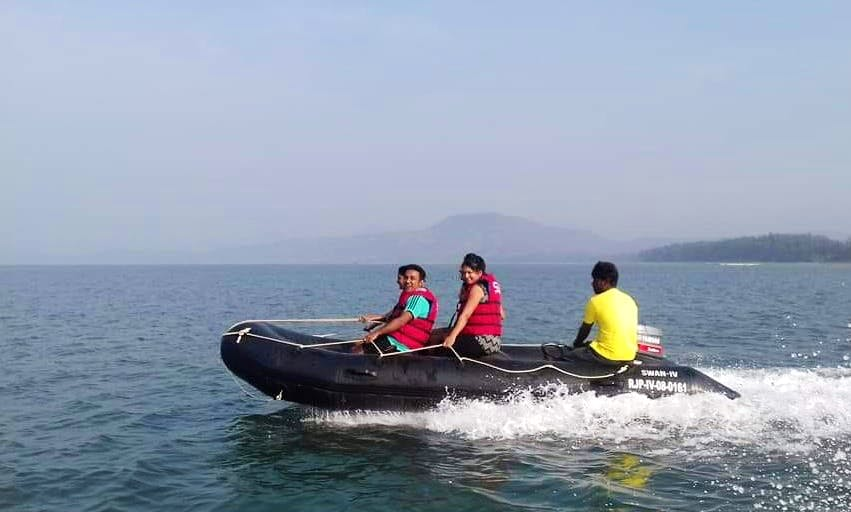 Boat Trip for 6 Person in Diveagar Beach