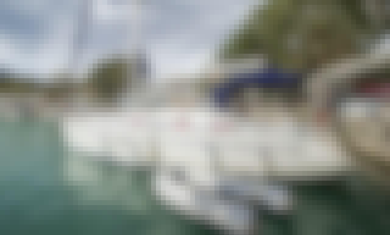 Euphrosyne - Bavaria 37ft (2006) Yacht Charter in Lefkada, Greece