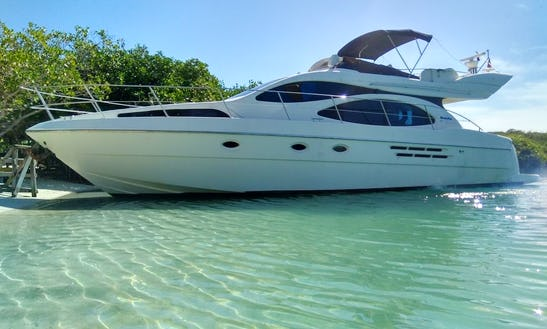 Charter This 2008 Azimut 46 In Bolívar For Up To 8 Friends