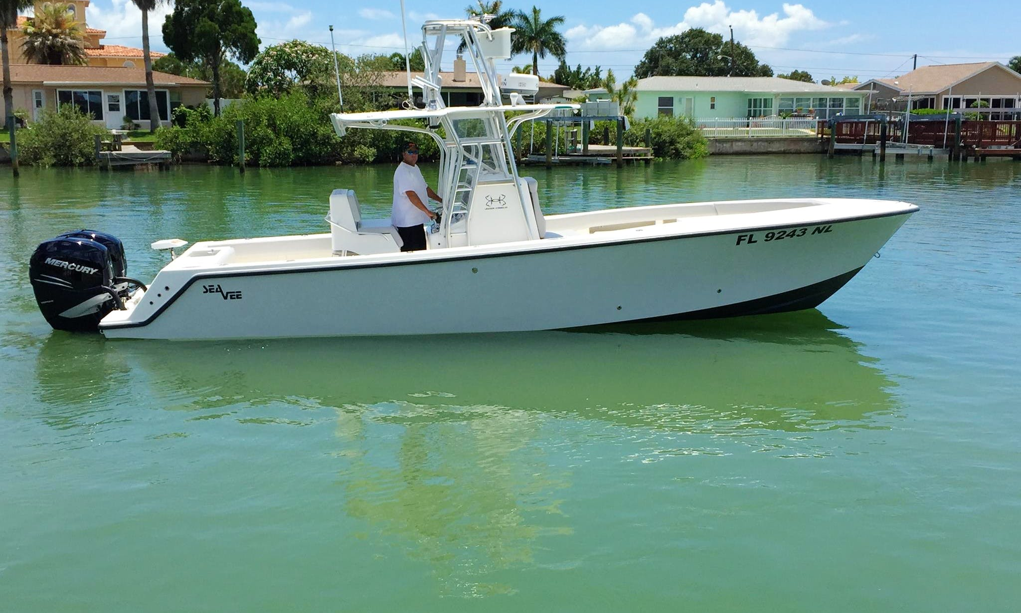 32-foot SeaVee Center Console Charter for Up to 6 people in Saint Petersburg, Florida with Capt. Chad