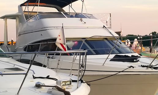 b0b17fa430 38  Carver Motor Yacht Ready for Holiday Season in Washington DC