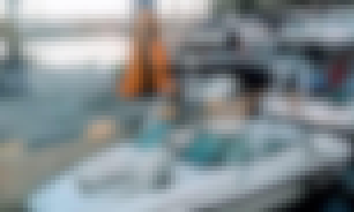 8-Person Caravelle 180 Bowrider Rental in Almuñécar, Spain