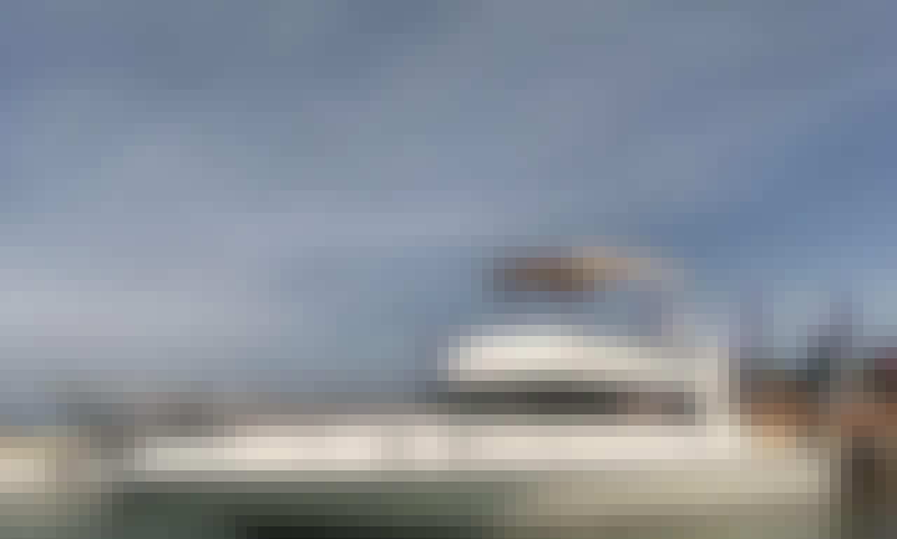Charter 39' Motor Yacht in BALI, NUSA LEMBONGAN AND GILI