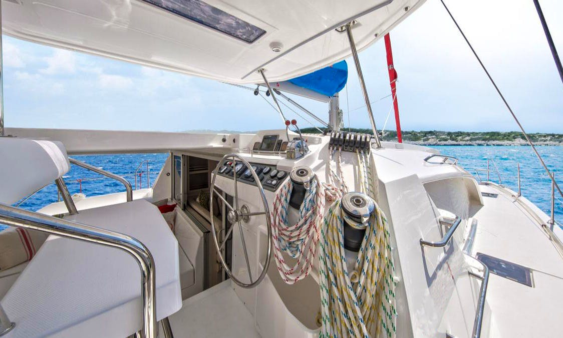 Impressive and Memorable Cruise in British Virgin Island with 4 Cabin Catamaran