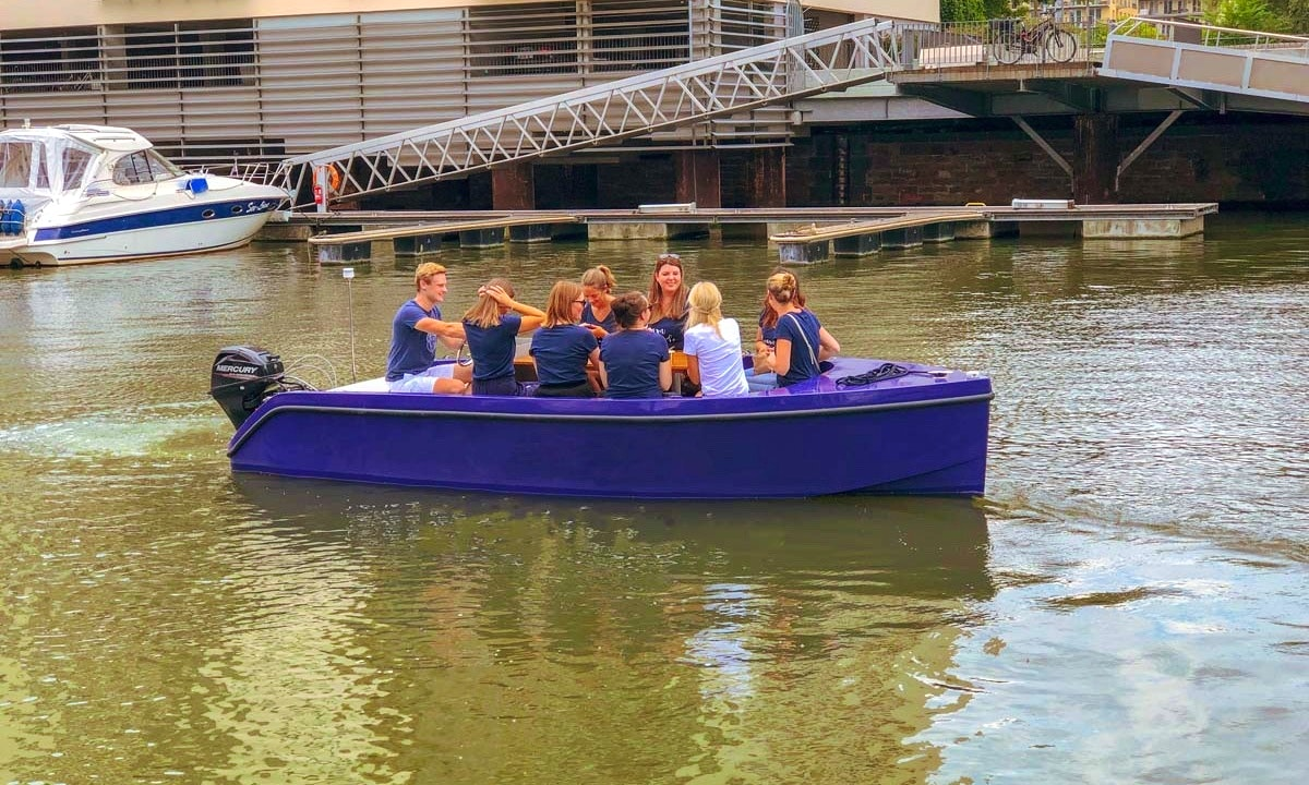 Your personal Boattour on a driving license free Picnic Boat