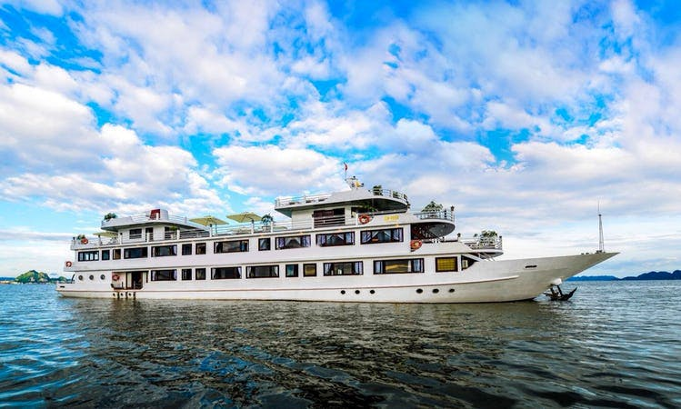 Charter Silver Sea Power Mega Yacht in Hạ Long, Vietnam