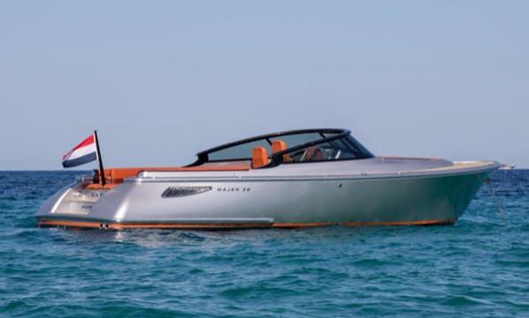 Motor Yacht rental in the Bay of ST Tropez