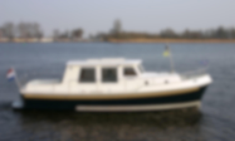 Simmerskip 900 Motor Yacht Rental in Terherne