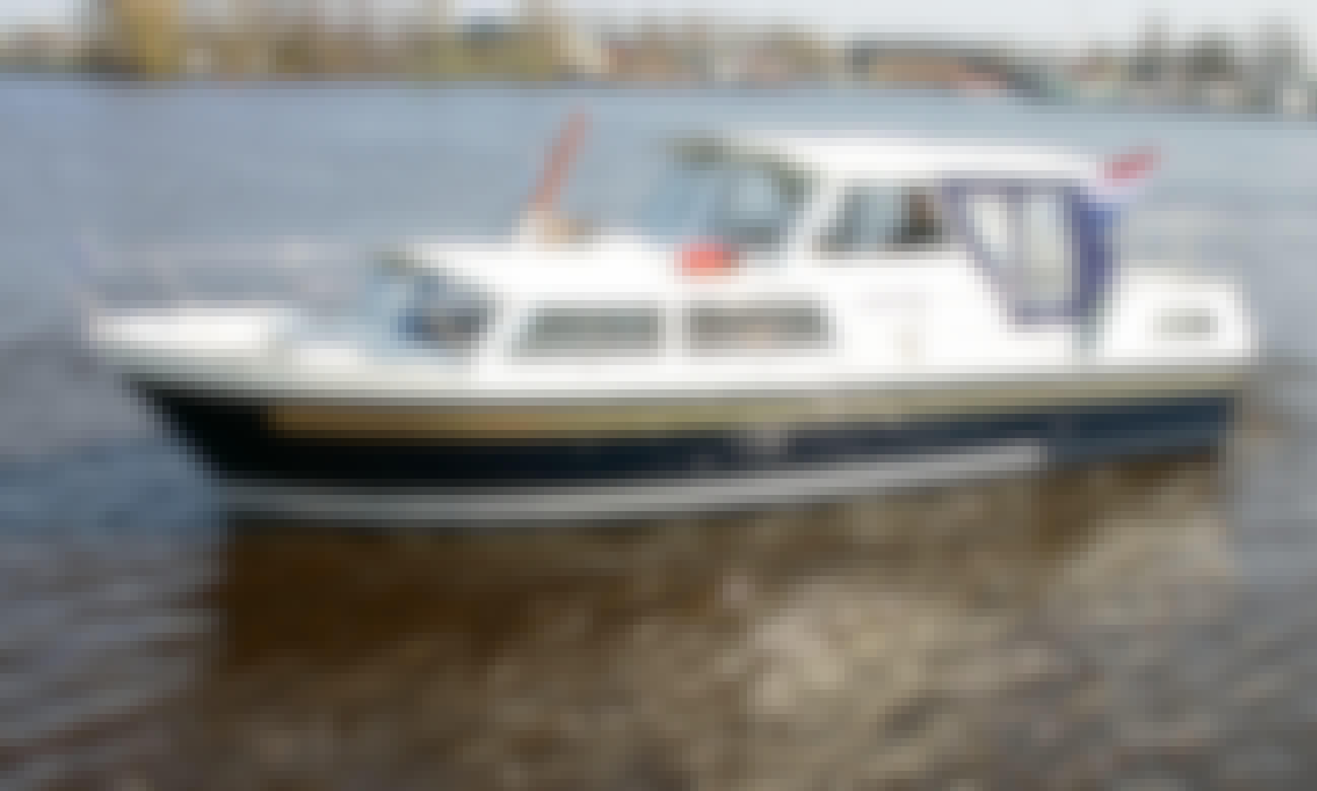 27' Tjeukemeer 900 Motor Yacht Rental in Friesland, Netherlands