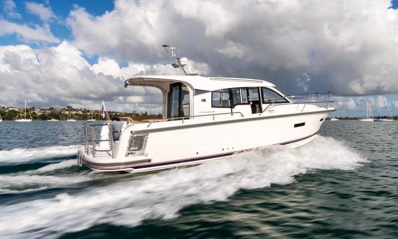 Brandnew Nimbus 305 Coupe Motor Yacht Charter in Marseille