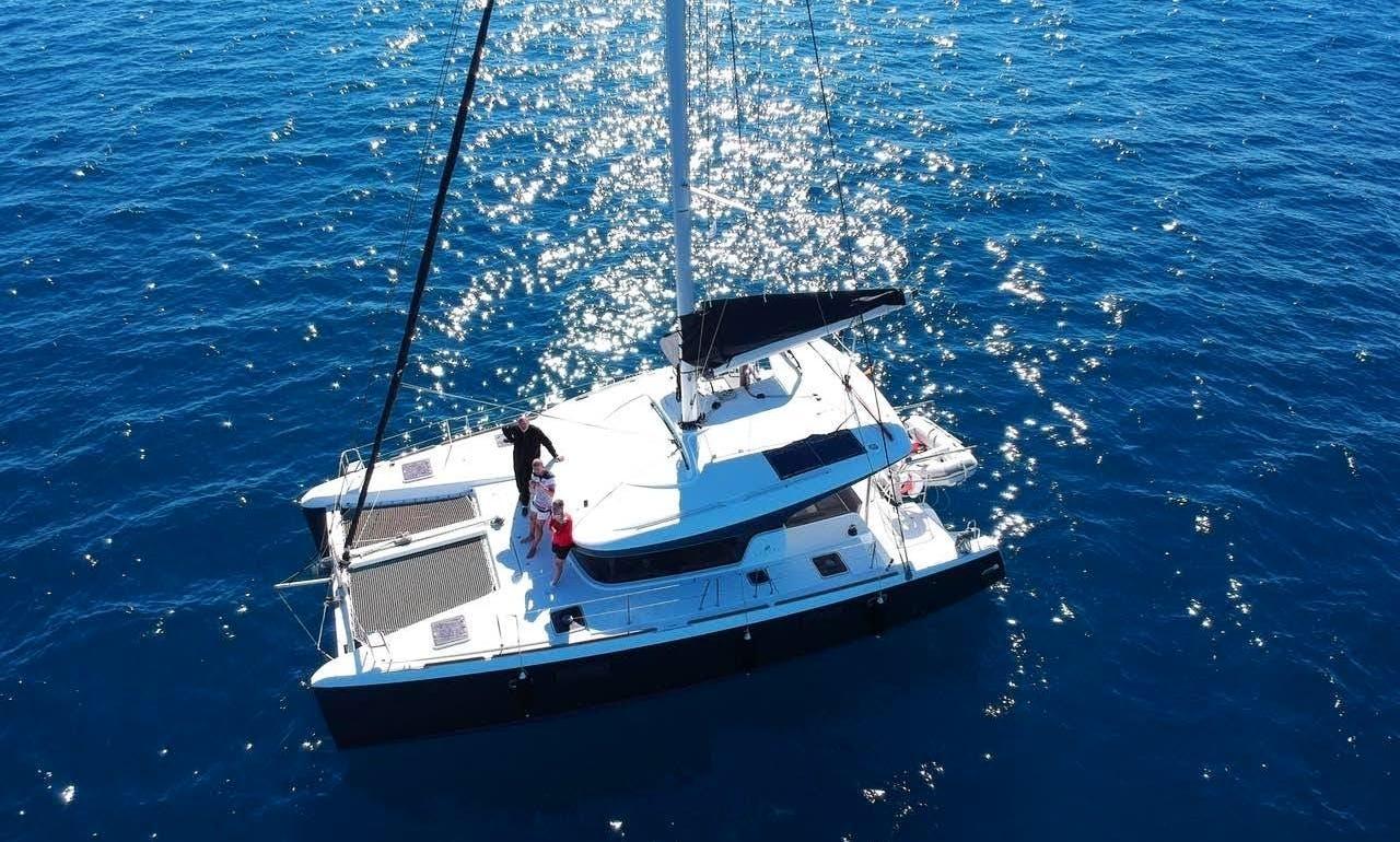 Cruising Catamaran Lagoon 39 for rent in Napoli