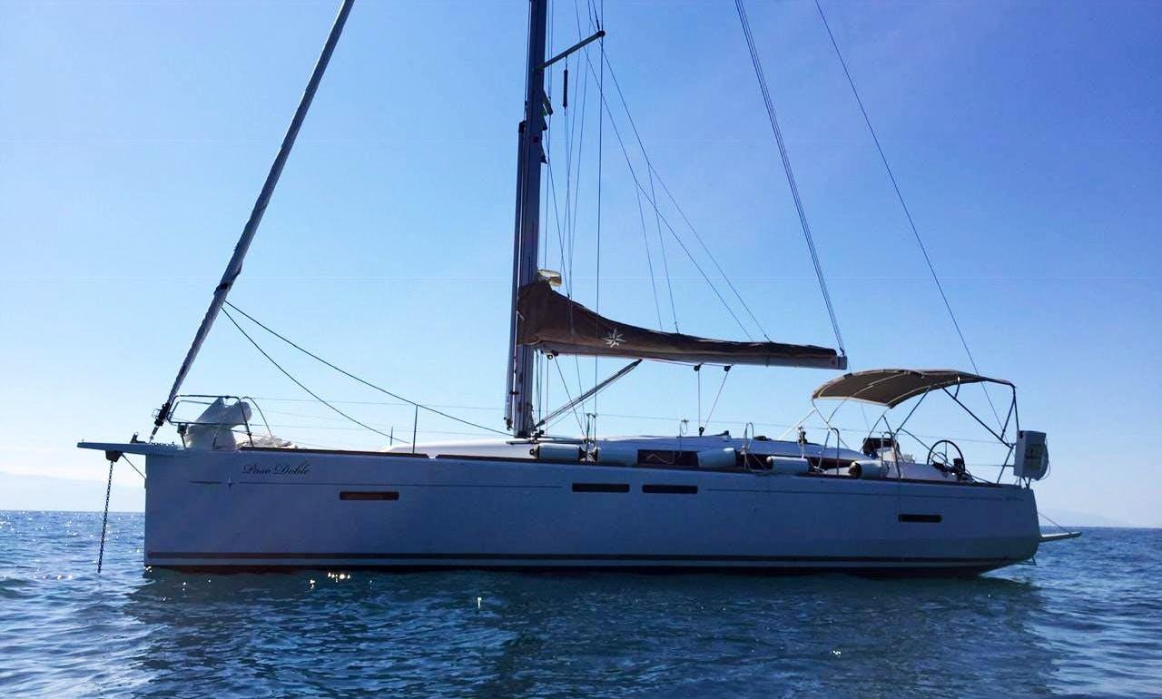 Jeanneau Sun Odyssey 419 Cruising Monohull Charter in Nuevo Vallarta, Mexico