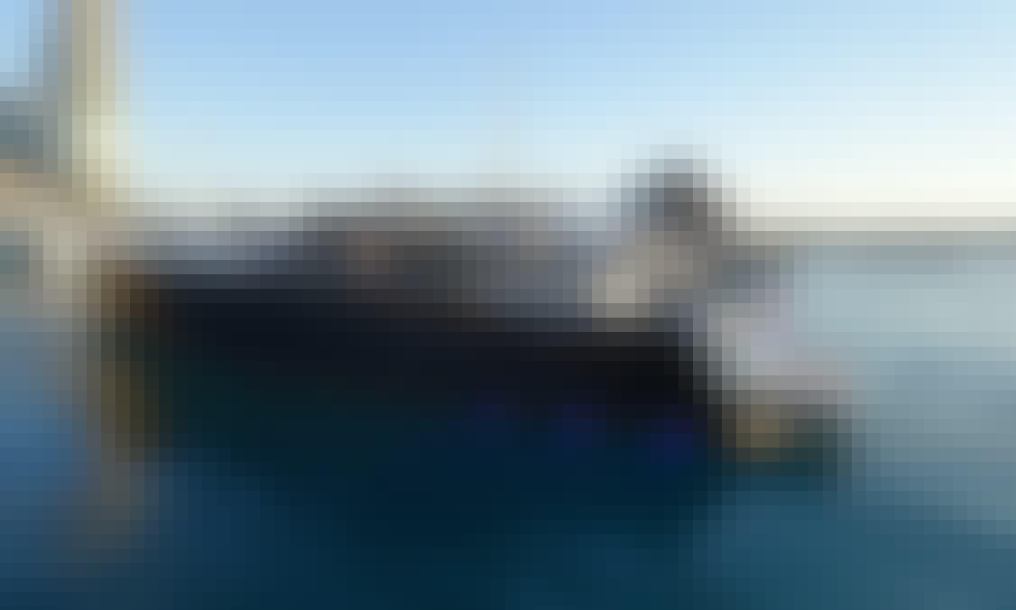 55' Van Dutch Luxury Boat Rental In Miami, Florida