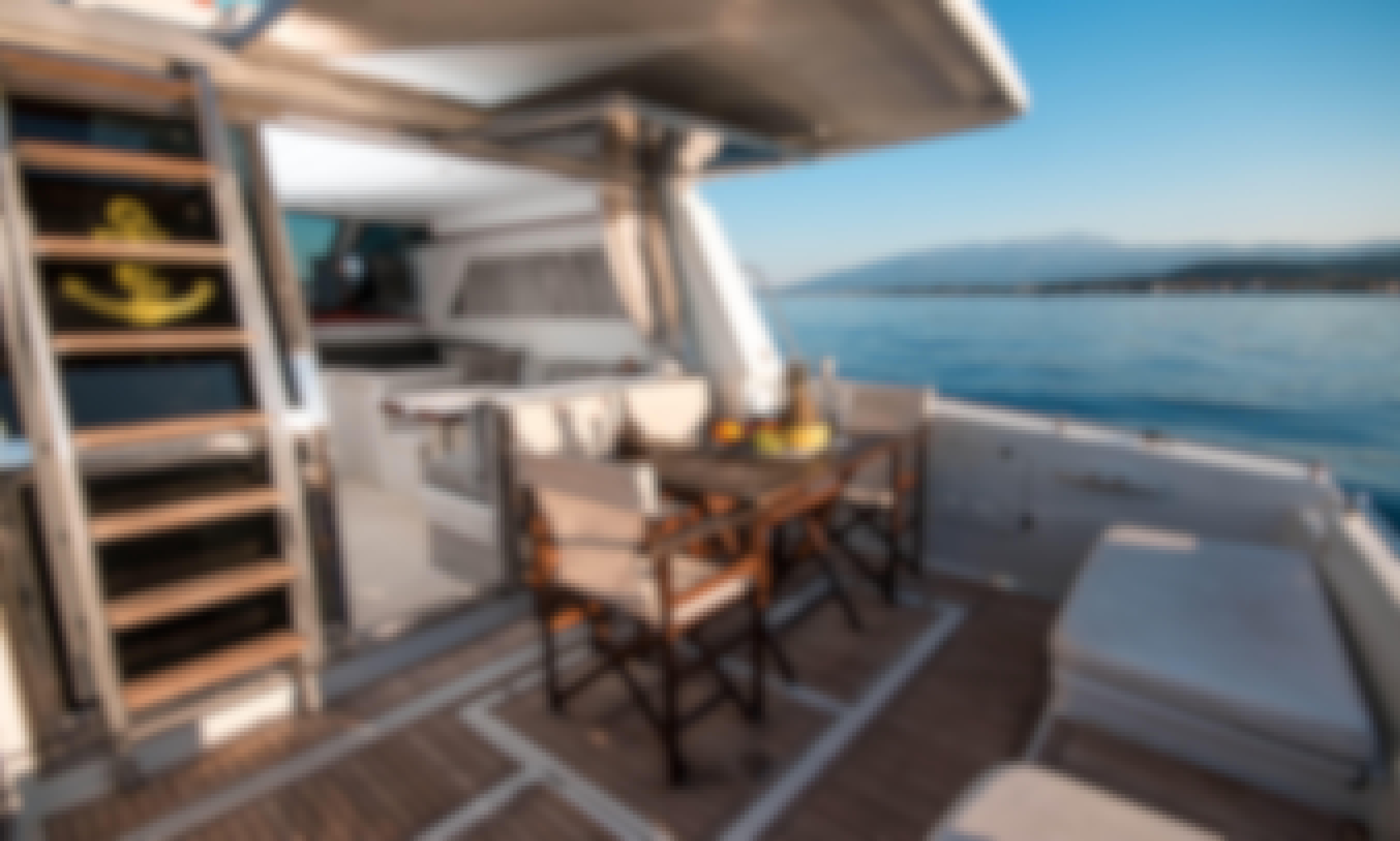 """Ferretti 45 Flybridge Motor Yacht """"Vanilia"""" in Platamonas, Greece"""