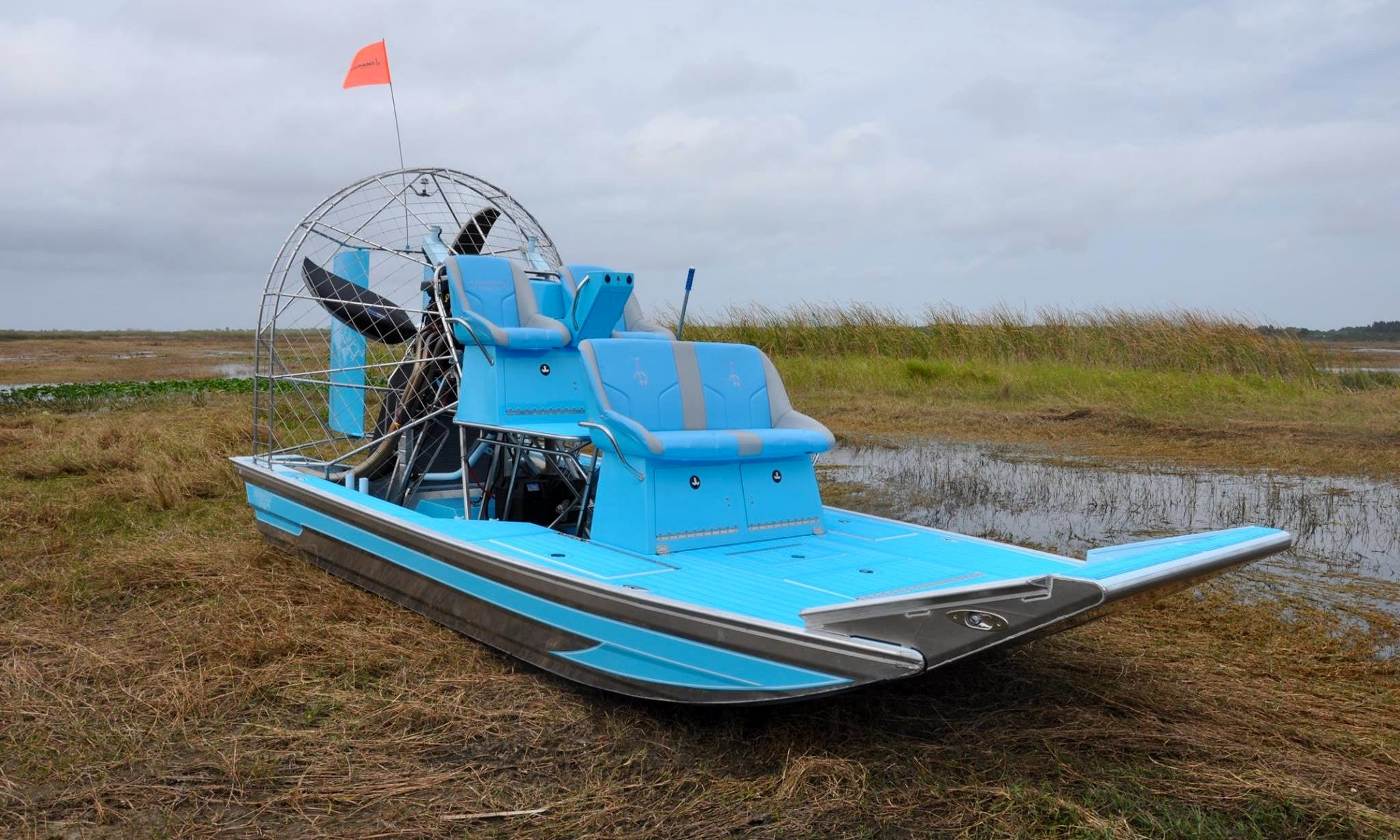 Airboat rental in Tombouctou