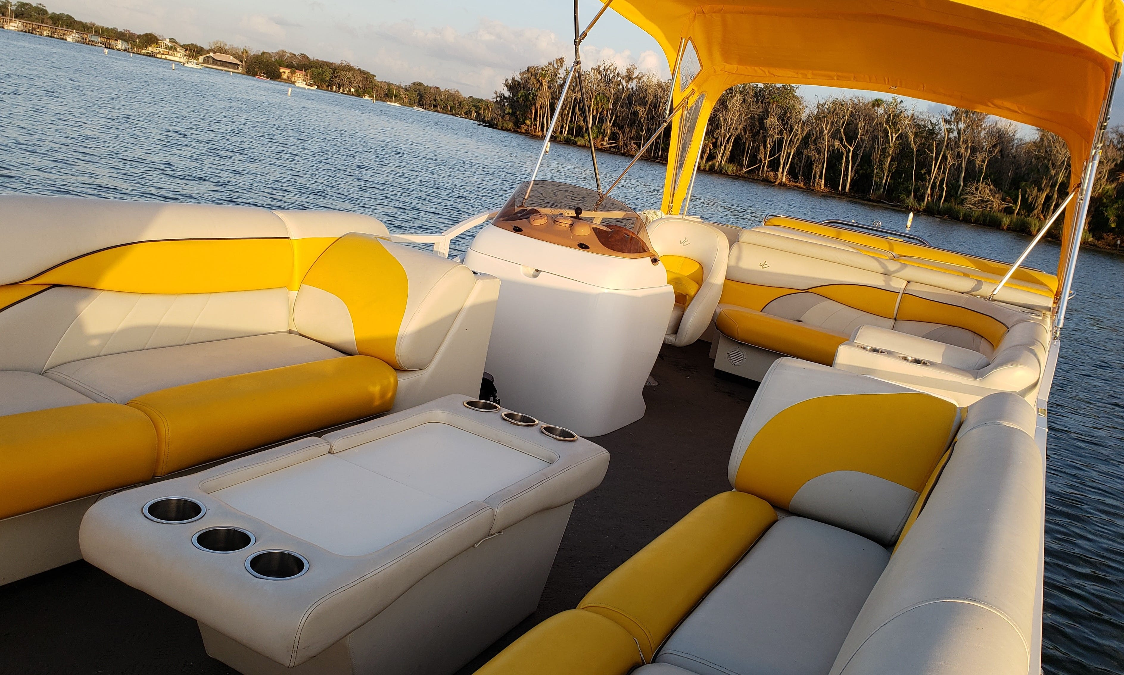 26' Pontoon Charter in Crystal River   Live Music Sunset Cruises   Day Charter