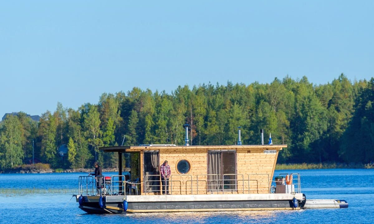 "Luxurious Houseboat ""ECO-WOOD 21 M2"" Charter in Finland"