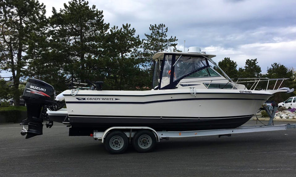 Guided Salmon Fishing Trip on 24' Grady White Center Console in Comox