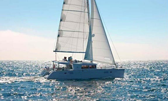 Navigate a Lagoon 450 with Watermaker and A/C - Plus in Ceiba, Puerto Rico