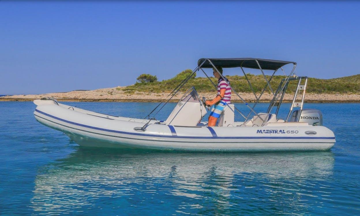 Maestral 650 Zodiac Boat Tour in Dalmatia, Croatia