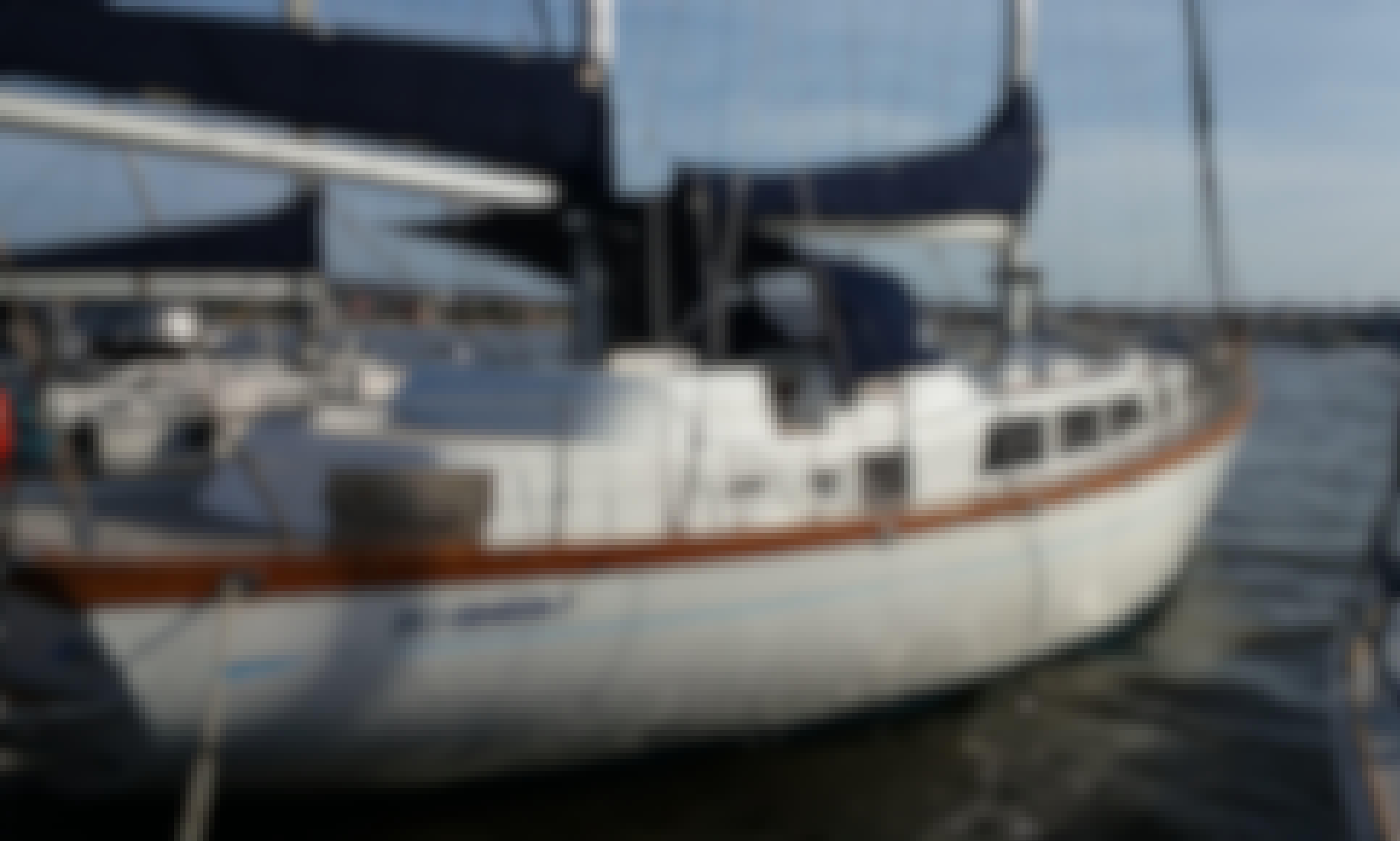 "55"" Ketch Monohool to discover the Bay of Bahia"