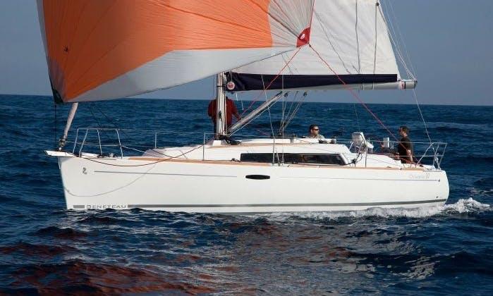 Oceanis 31 Cruising Monohull in Roses, Spain