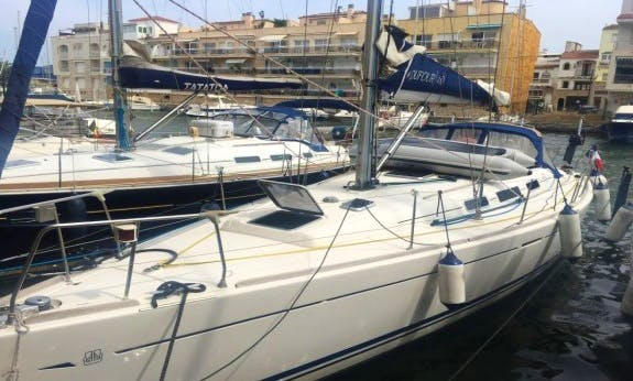 Cruise around Costa Brava with Dufour 40 Sailboat for 8 People