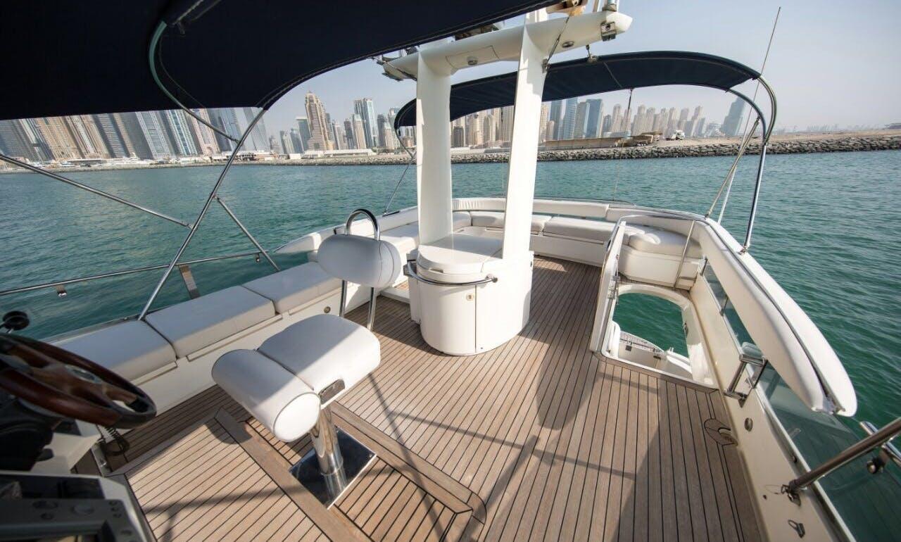 65 ft Fairline Luxury Yacht Rental for 28 People In Dubai
