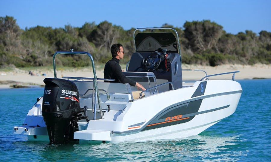Rent the Beneteau Flyer 5.5 Spacedeck in l'estartit, Costa Brava