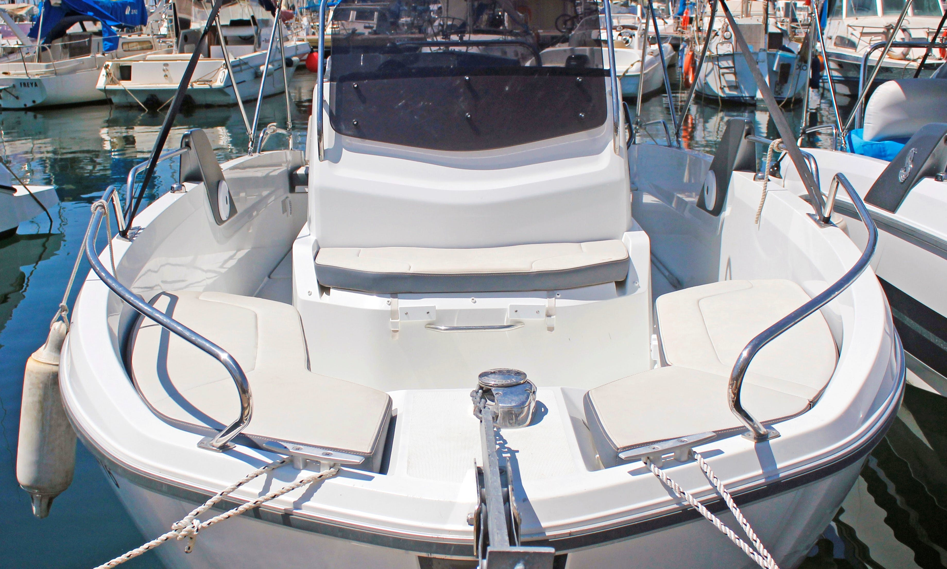 Rent 2016 Beneteau Flyer 6.6 Spacedeck in L'estartit, Costa Brava