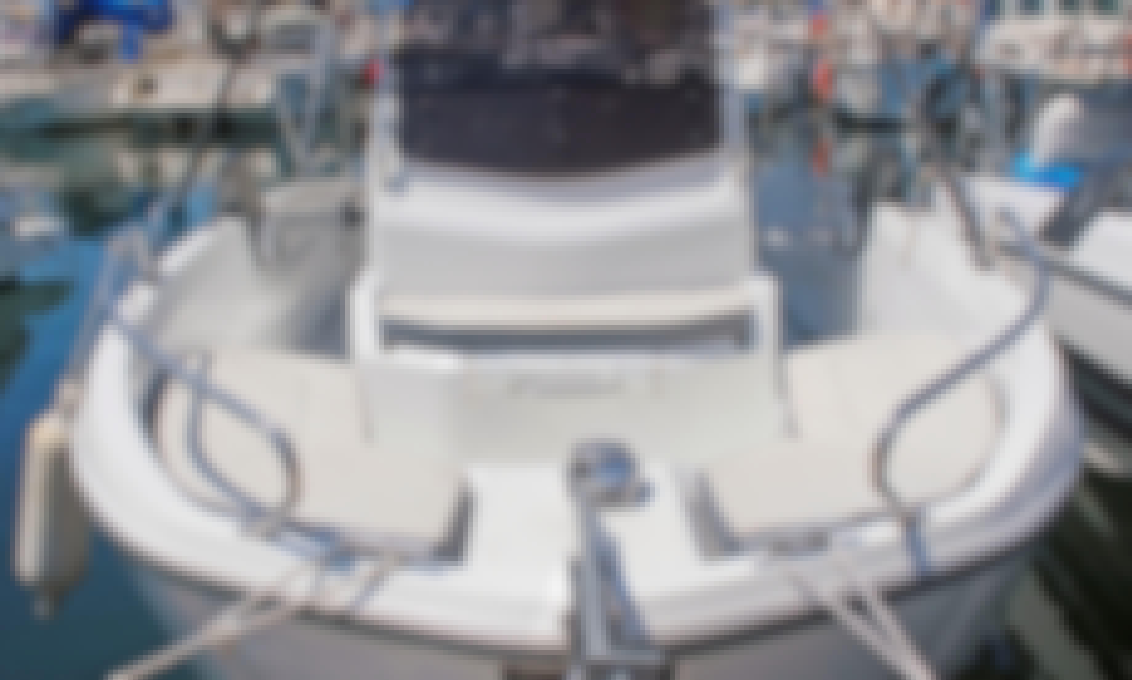 Rent 2016 Beneteau Flyer 6.6 Spacedeck in L'estartit, Costa Brava
