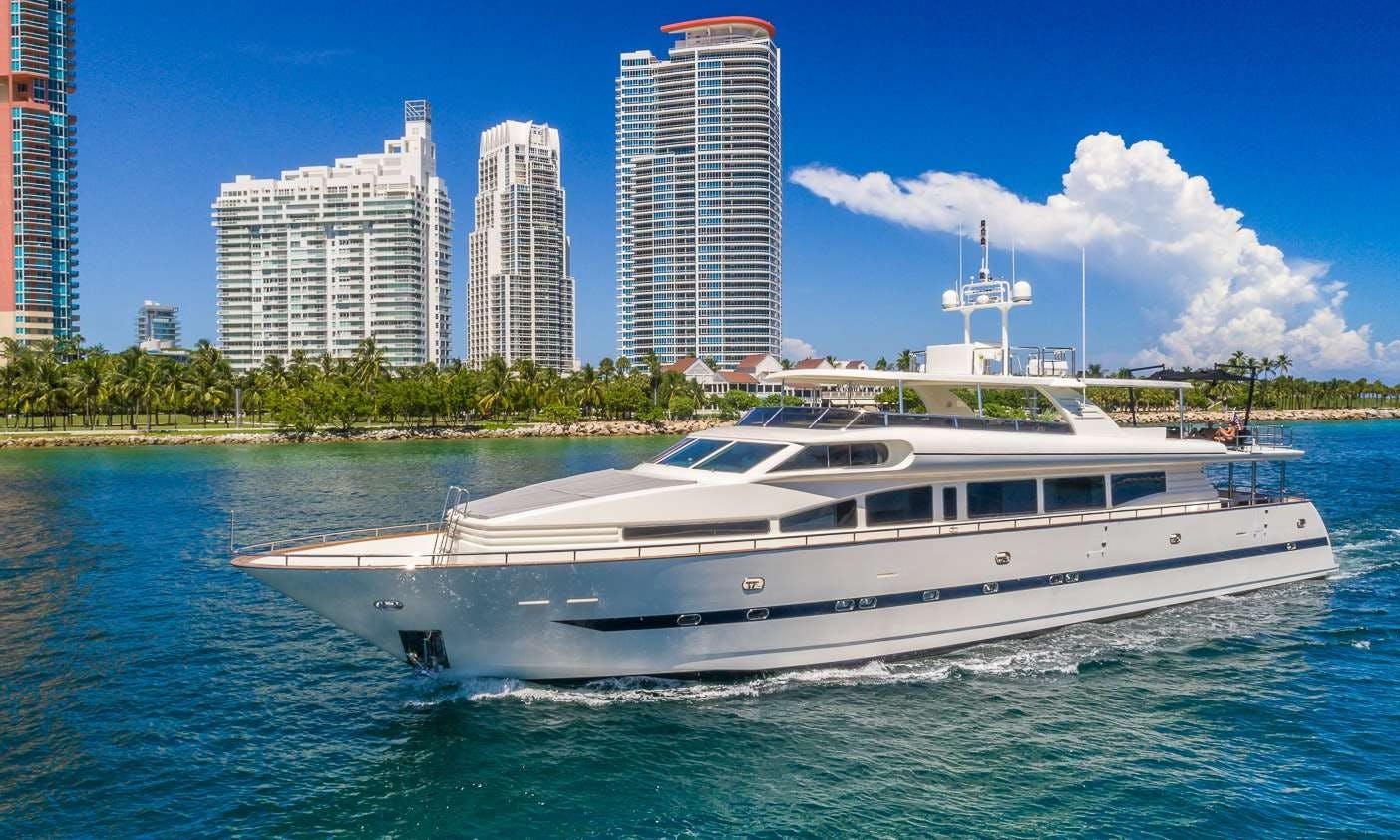 """110 ft """"Nirvana"""" 2000 Horizon Power Mega Yacht in Miami, Florida"""