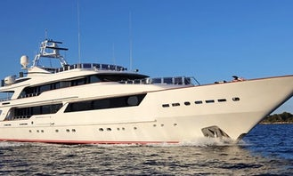 Luxury Benetti 164 Ft Yacht in Dubai, United Arab Emirates