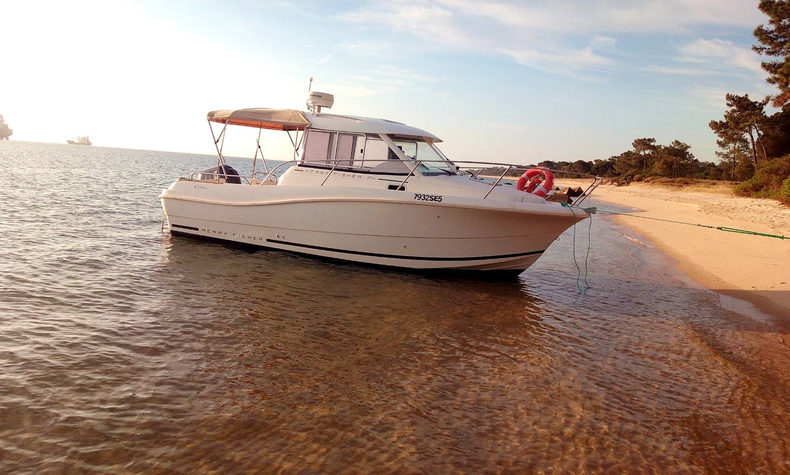 Boat trips pre-programmed or planned to suit you.