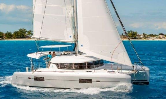 Lagoon 42 Cruising Catamaran for 9 People in Nassau, The Bahamas
