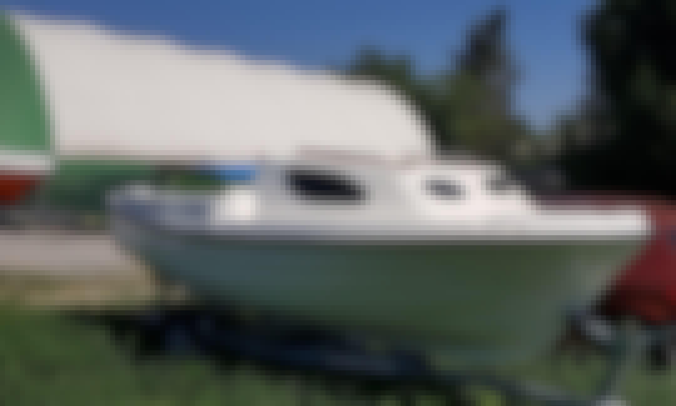 Adria 500 Cabin Powerboat Rental in Pula