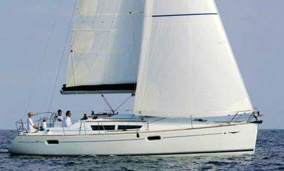 Relaxing Sailing Holiday In Queensland, Australia On Sun Odyssey 39i Sailboat!