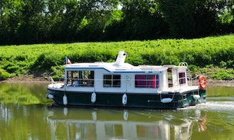 Houseboat to explore Anjou (2/6 persons)
