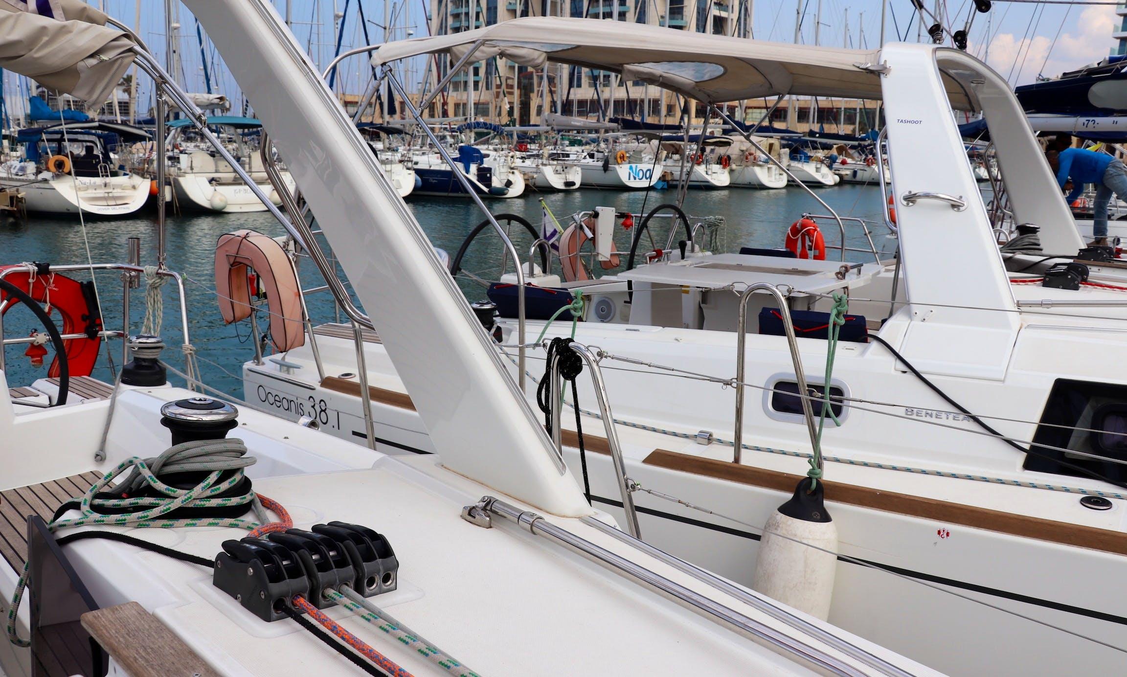 "Charter Beneteau 35.1 Sailing Yacht  ""Khalisi"" in Herzeliya"