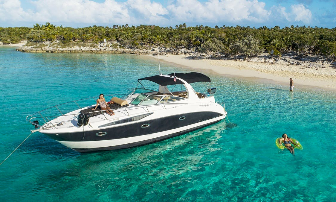 Bayliner 34 Cruiser for Charter to North Exuma - Pigs, Iguanas, Nurse Sharks