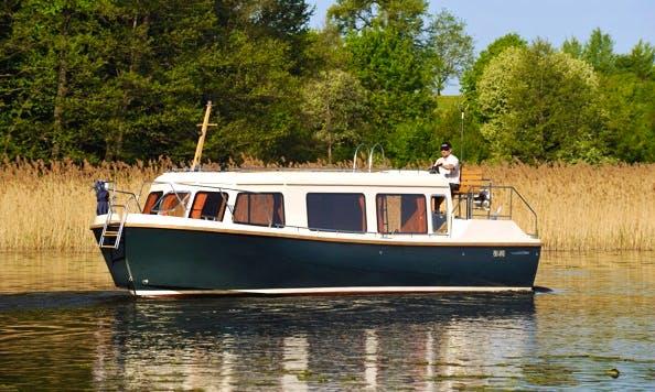 Haber Reporter 33 Houseboat in Rybina, Poland
