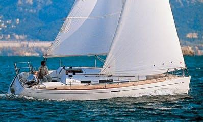 Enjoy Sailing At Your Own Pace In La Trinité-sur-Mer, France