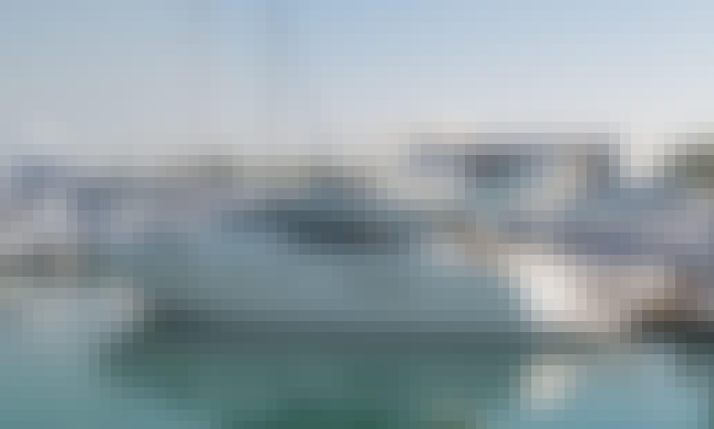 52' Azimut Motor Yacht Charter in Dubai, UAE