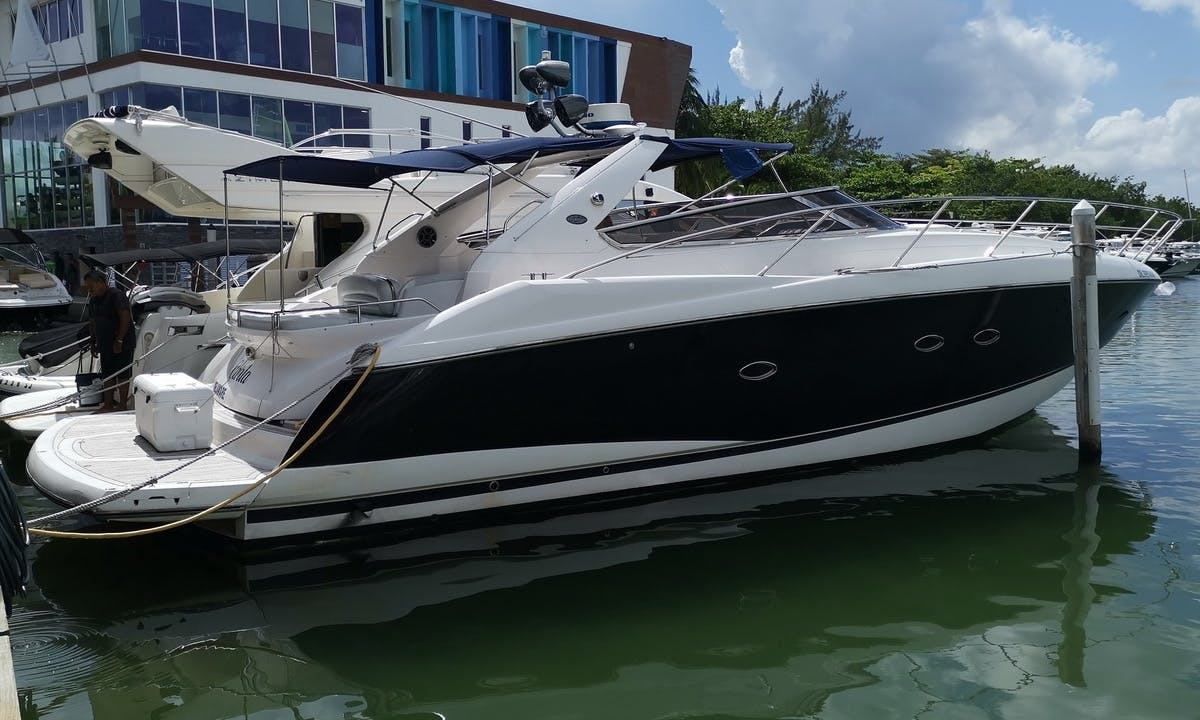 Explore The Waters of Cancún, Mexico on a 50' Sunseeker Power Mega Yacht For Charter