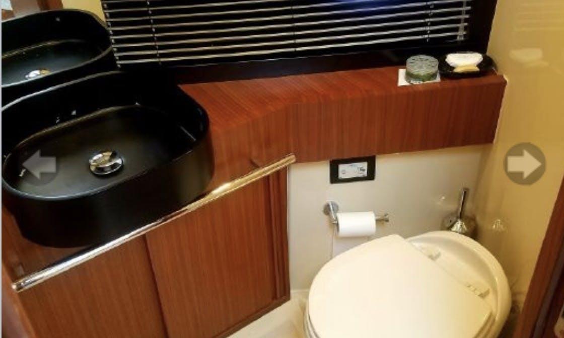 Azimut 43 Magellano Luxury Yatch Charter for 12 People in Miami Beach, FL