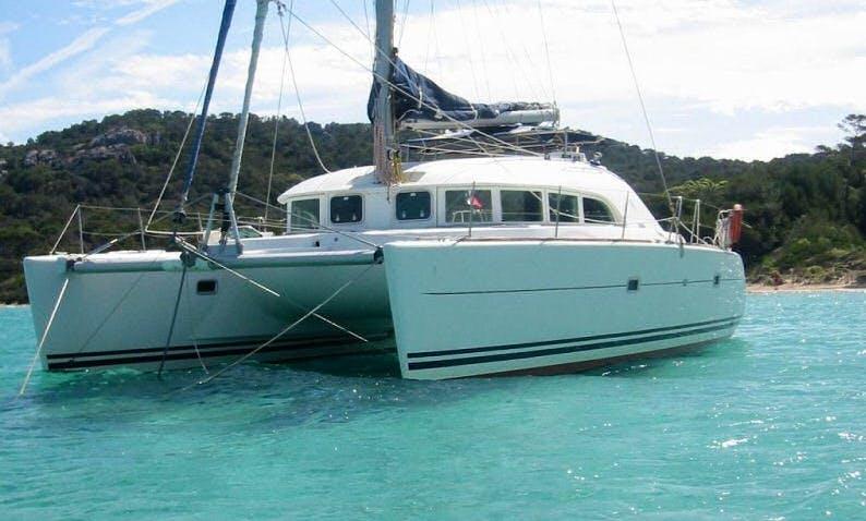 Lagoon 380S2 Cruising Catamaran in French Polynesia